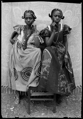 Untitled, 1949/51 © Seydou Keïta / SKPEAC/ photo courtesy of CAAC - The Pigozzi Collection, Geneva