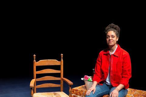 Rosa Weekers presenteert vrijdag 6 december haar eindsolo Parbo Oema in het Maaspodium